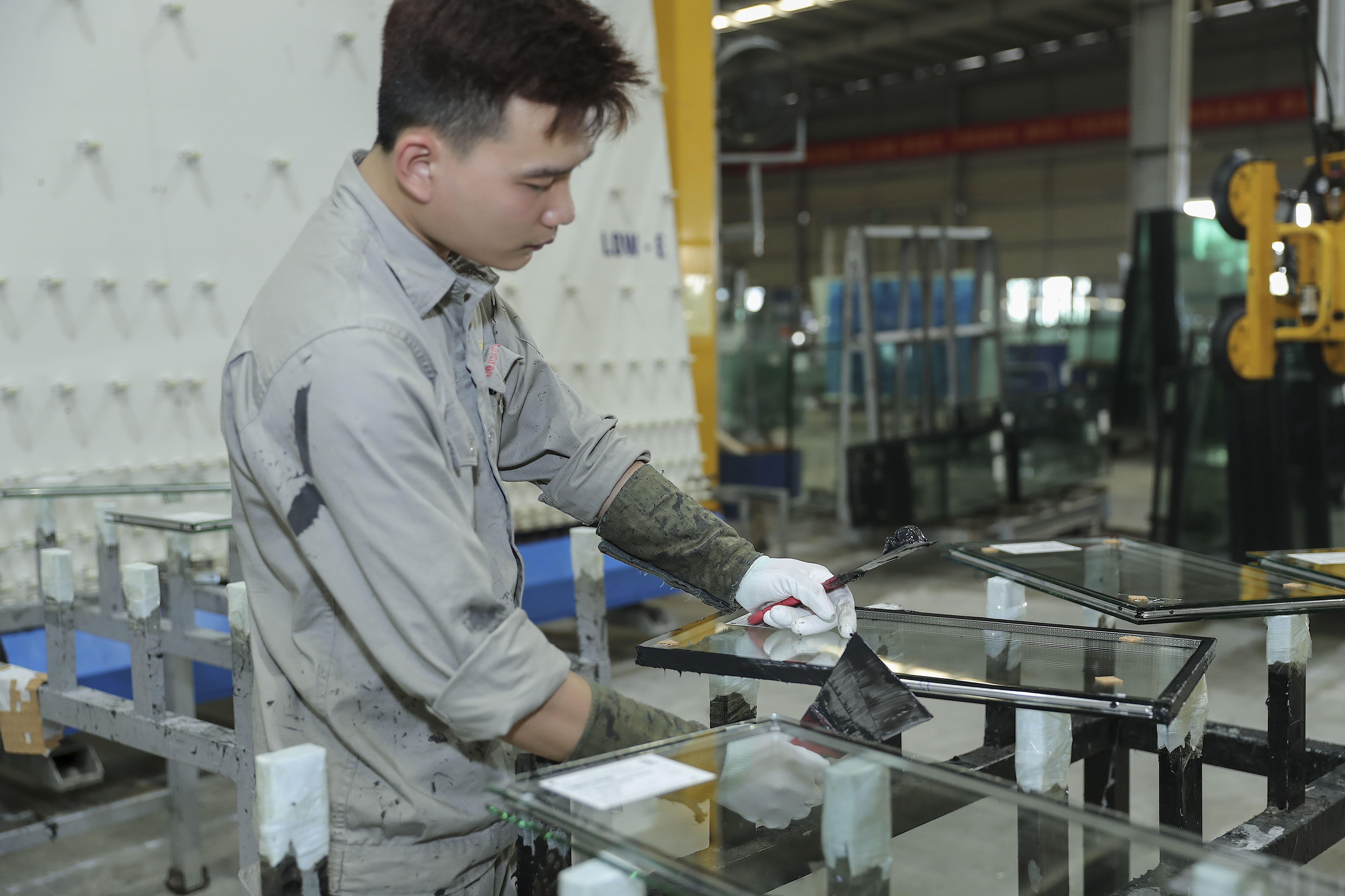 Tại sao xuất khẩu kính nổi của Việt Nam tăng cao trong thời gian gần đây?