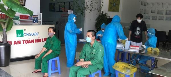 Kính an toàn Hải Long tiến hành TEST nhanh COVID-19 định kỳ cho cán bộ công nhân viên